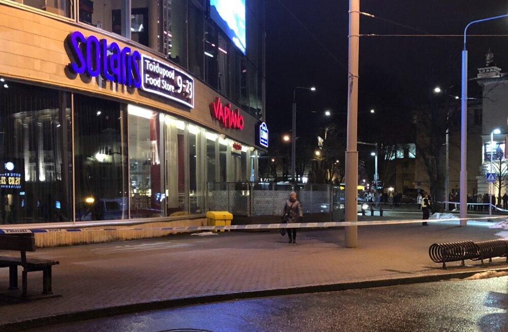 Solarisest evakueeriti inimesed, keskusele tehtud pommiähvardus osutus rumalaks naljaks