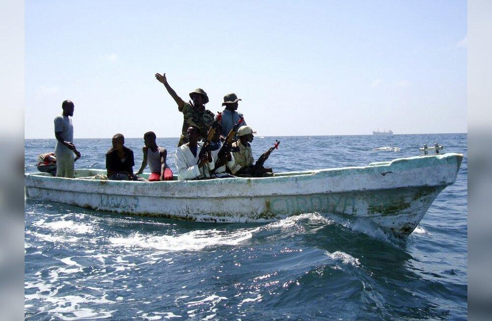 Somaalia piraadid röövisid Keenia rannikult kurdi Briti naise