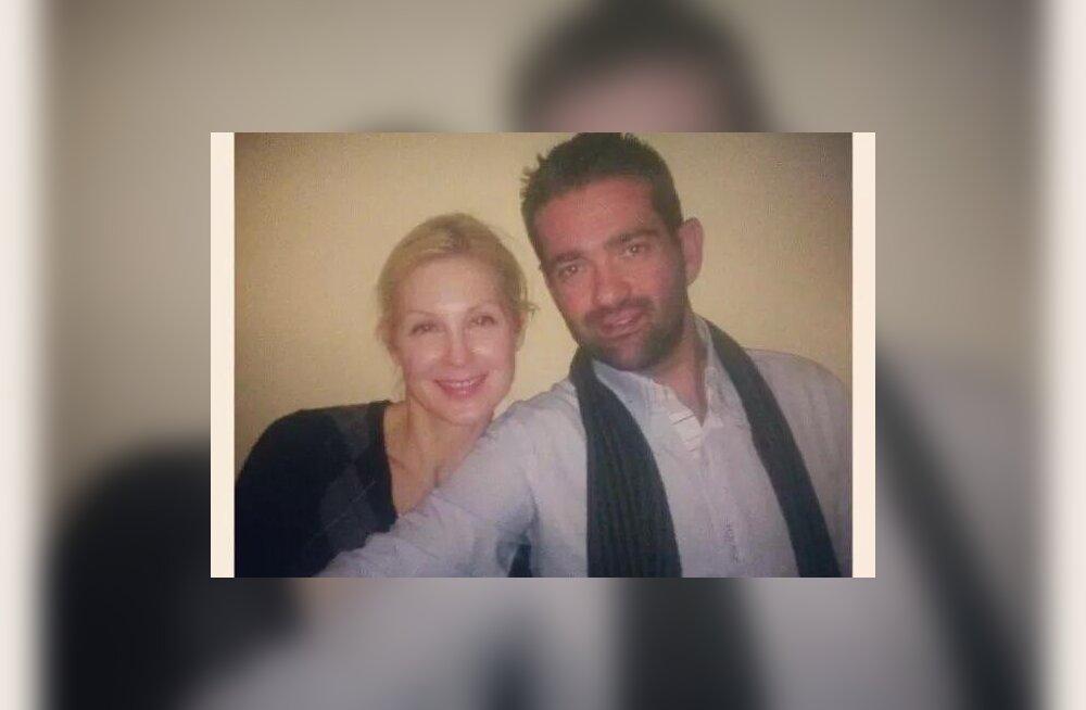 Nikolaos Stavrakakis näitlejanna Kelly Rutherfordiga