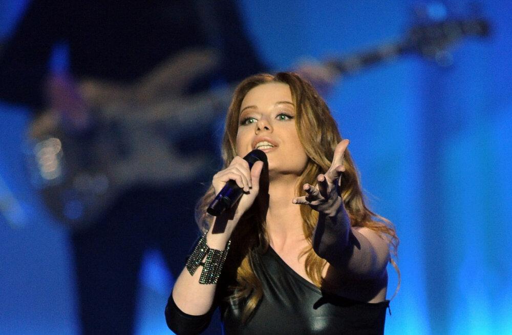 Юлия Савичева призналась, что из-за концертов у нее произошел выкидыш