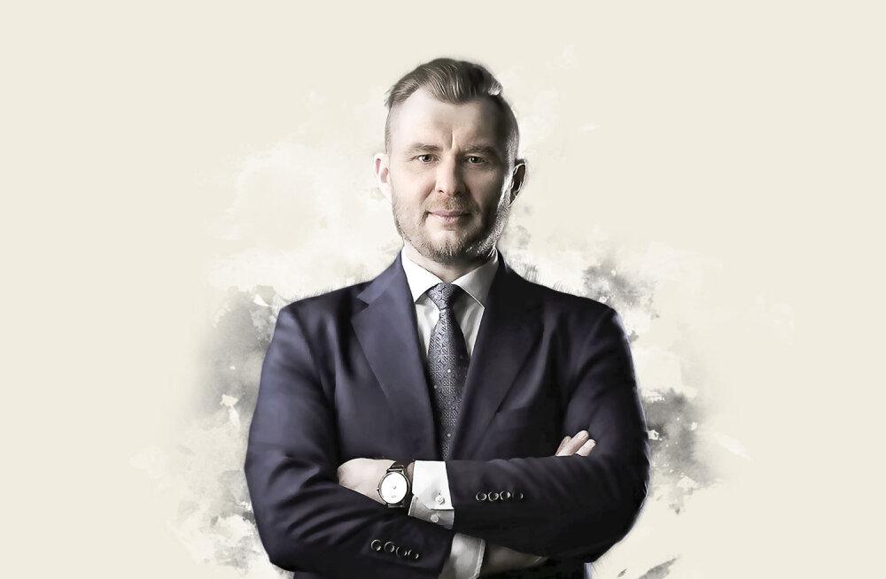 """""""Мне очень жаль, что у нас адвокаты не носят мантию. Это подчеркивает элитарность"""", - сказал Владимир Садеков в интервью RusDelfi."""