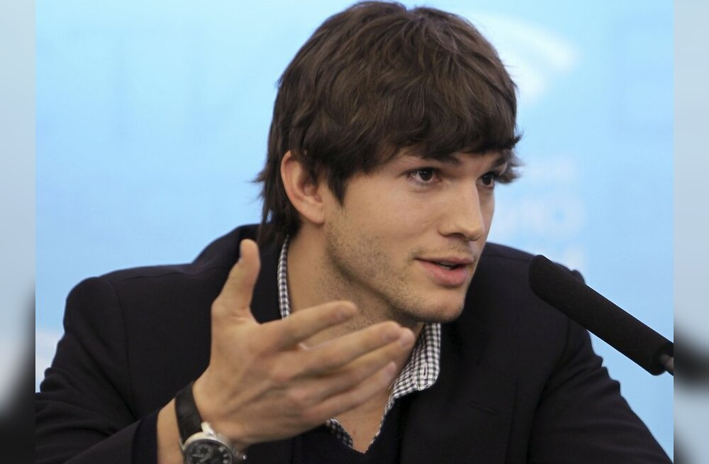 U.S. film star and Twitter celebrity Ashton Kutcher speaks during a news conference in Moscow February 18, 2010. Kutcher encouraged Russians to share ideas through social media websites during a visit by U.S. technology champions to Moscow on Thursday.  R