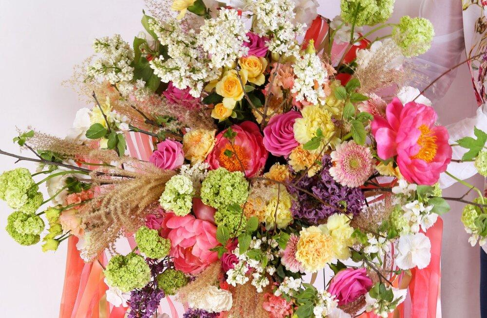 Как дарить и как принимать: 7 правил цветочного этикета от флориста с мировым именем
