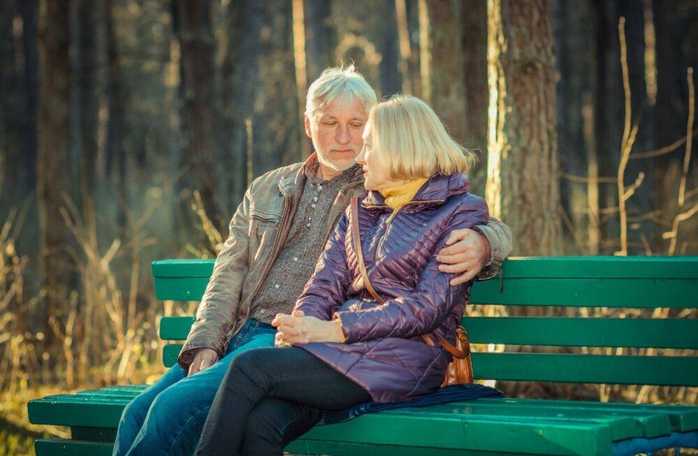 """Sageli on kõige raskem öelda kolme asja: """"ma armastan sind"""",""""mul on nii kahju"""" ja """"aita mind""""."""