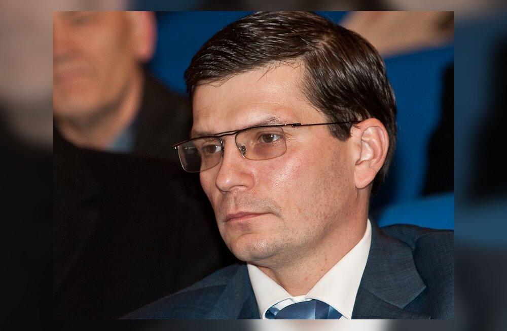 Макс Каур: время объединить должности премьера и президента
