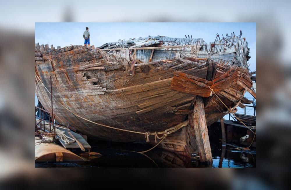 Корабль Амундсена подняли со дна в Арктике