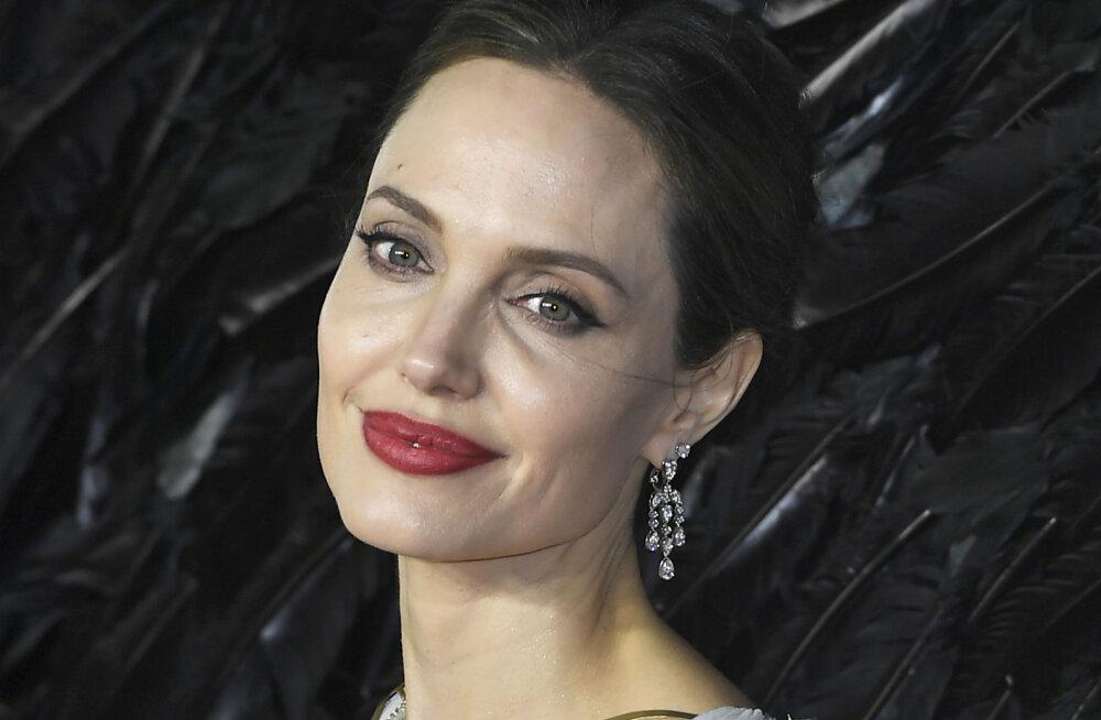 Angelina Jolie avalikustas kurva põhjuse, miks oma tütrele Shiloh nimeks valiks: kasutasin seda hotellides