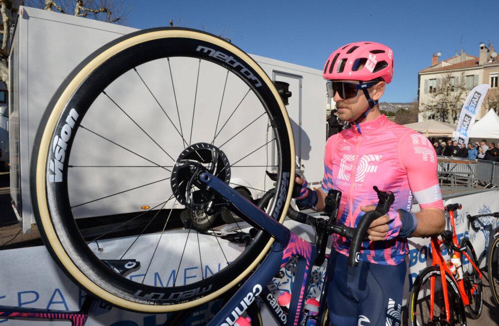 Giro d'Italial oli kavas esimene mägine etapp, Kangert langes esikümnest välja