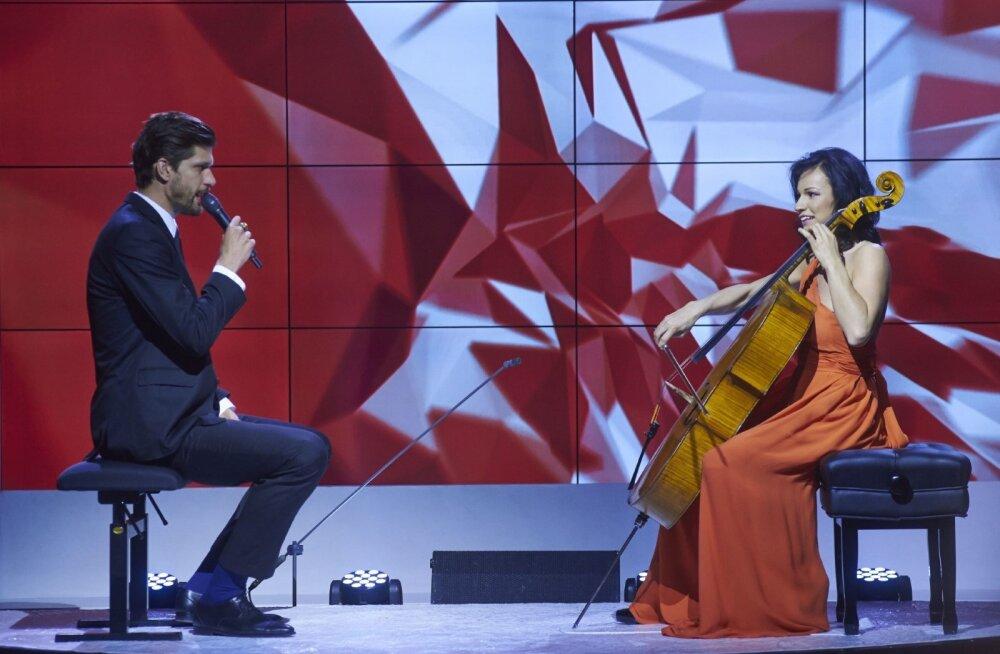 Nii äge! Klassikatäht Silvia Ilves valis oma lavapartneriks Reketi ja mängis räpi taustaks Bachi