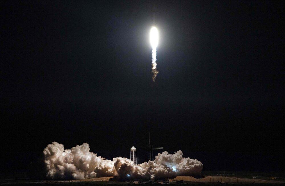 VIDEO | Ajalooline SpaceX kommertskosmosesõiduk asus kosmosejaama poole teele