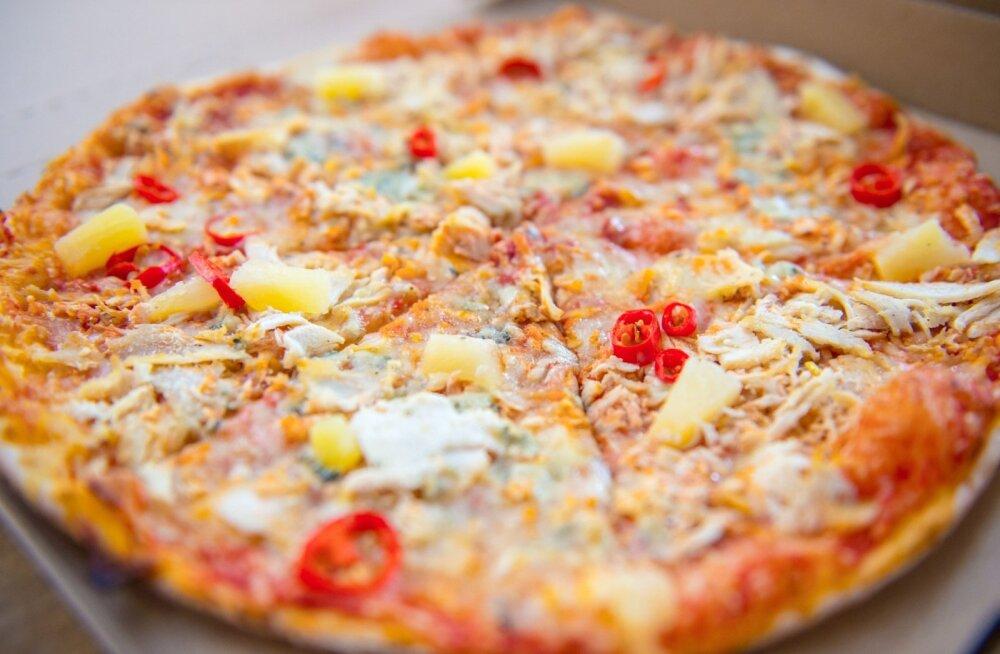 Meeskond peab saama toidetud kahe pitsaga.