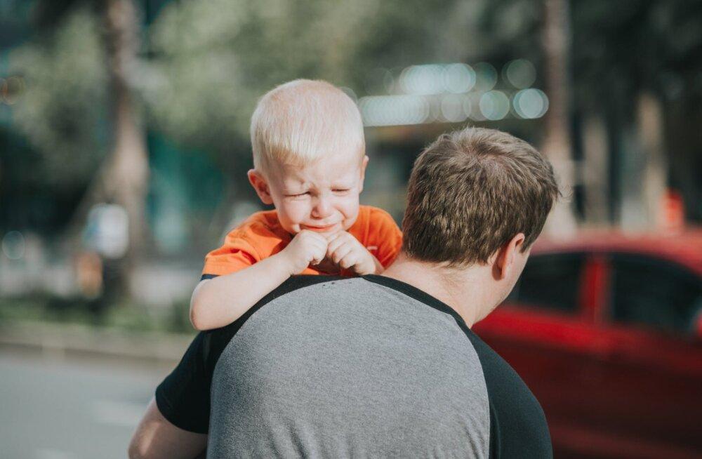 Kas minu laps tõesti seesmiselt nuttis, kui ma ta lasteaeda viisin?