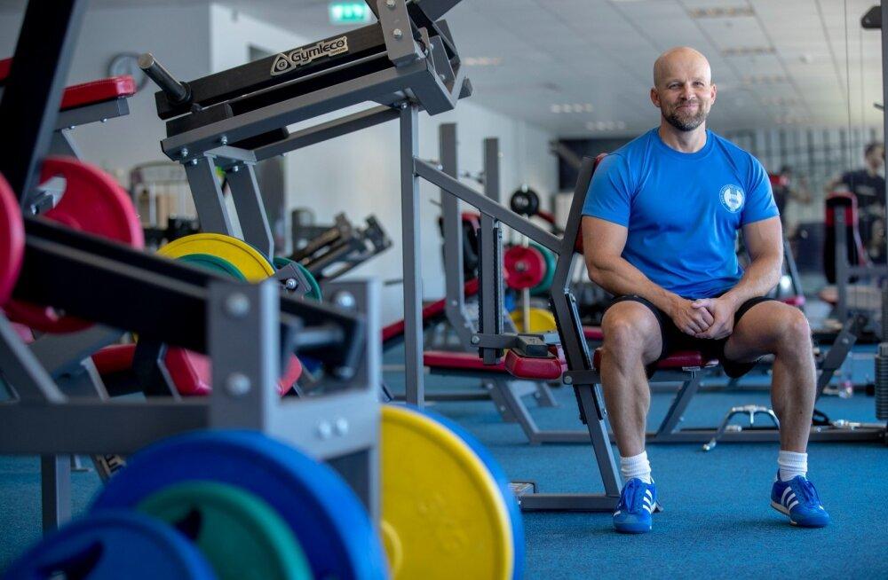 Jõu arendamise ekspert Tarmo Tiits treenib korraga mitut Eesti tippsportlast.