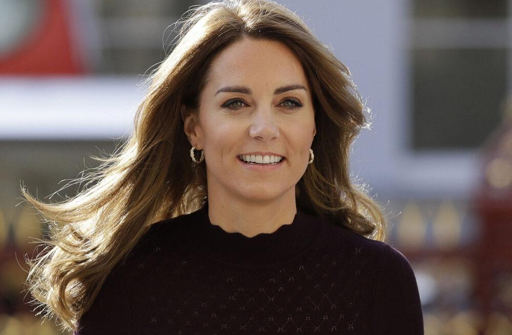 Skandaal Briti kuningakojas: Kate lasi oma ustava abilise lahti! Põhjus on ilmselt seotud Harry ja Meghaniga