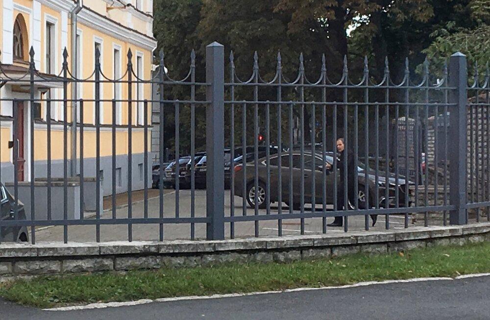 FOTOD: Tallinna Sadama juhatuse esimees kutsuti kaitsepolitseisse