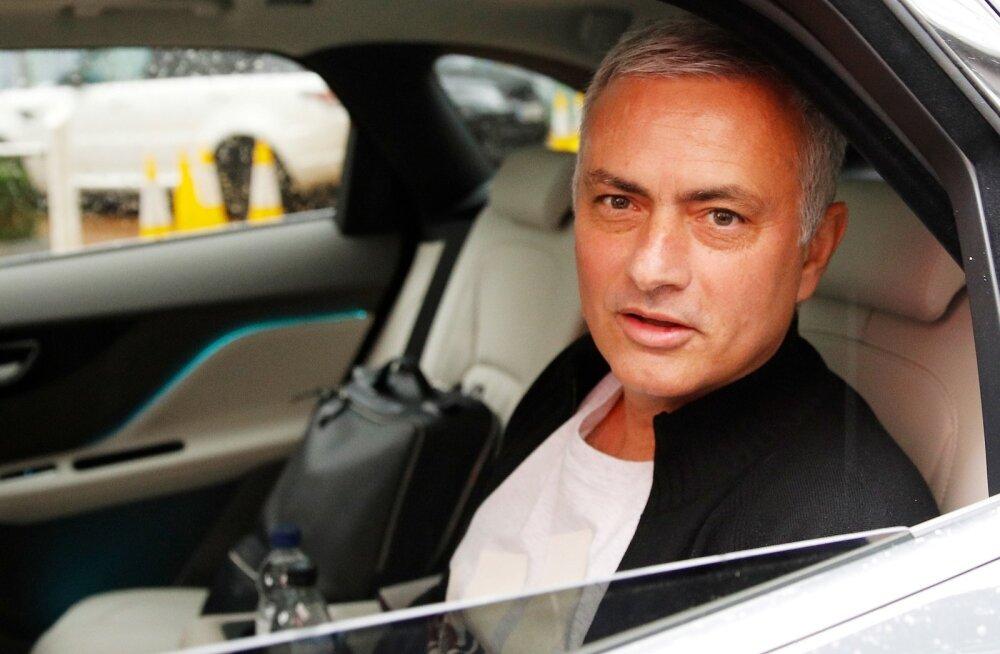 Jose Mourinho Manchesterist lahkumas.