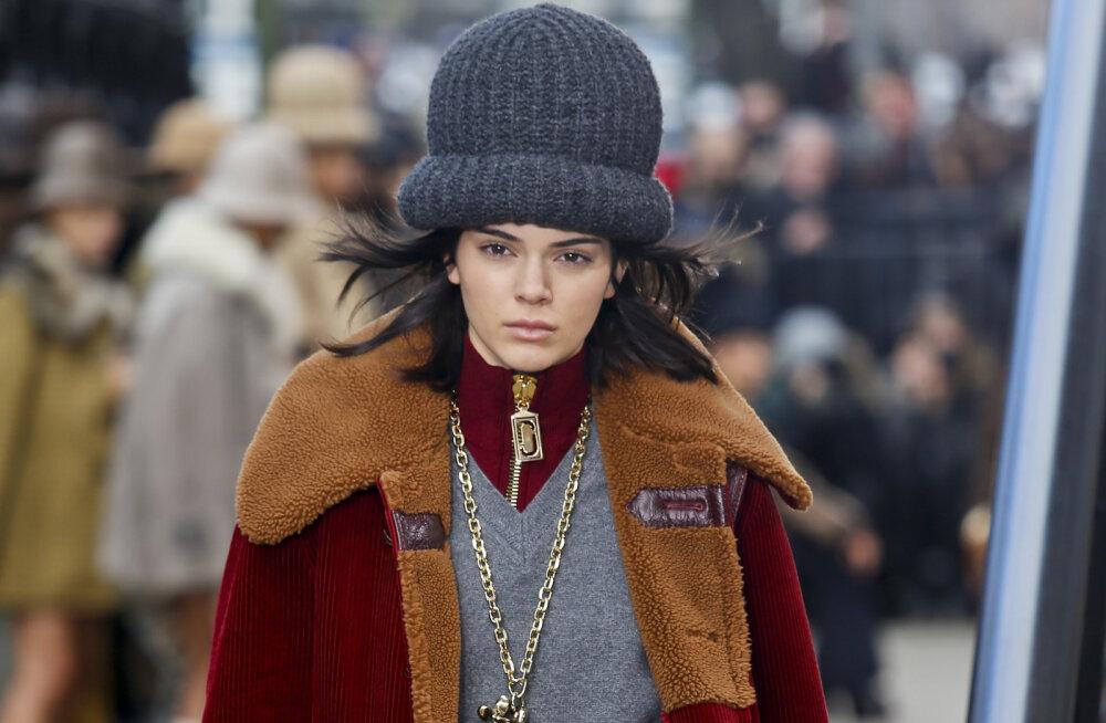 TRENDIÜLEVAADE | Hooaja aksessuaarigiid: mütsid, ehted ja saapad, mida nüüd kanda