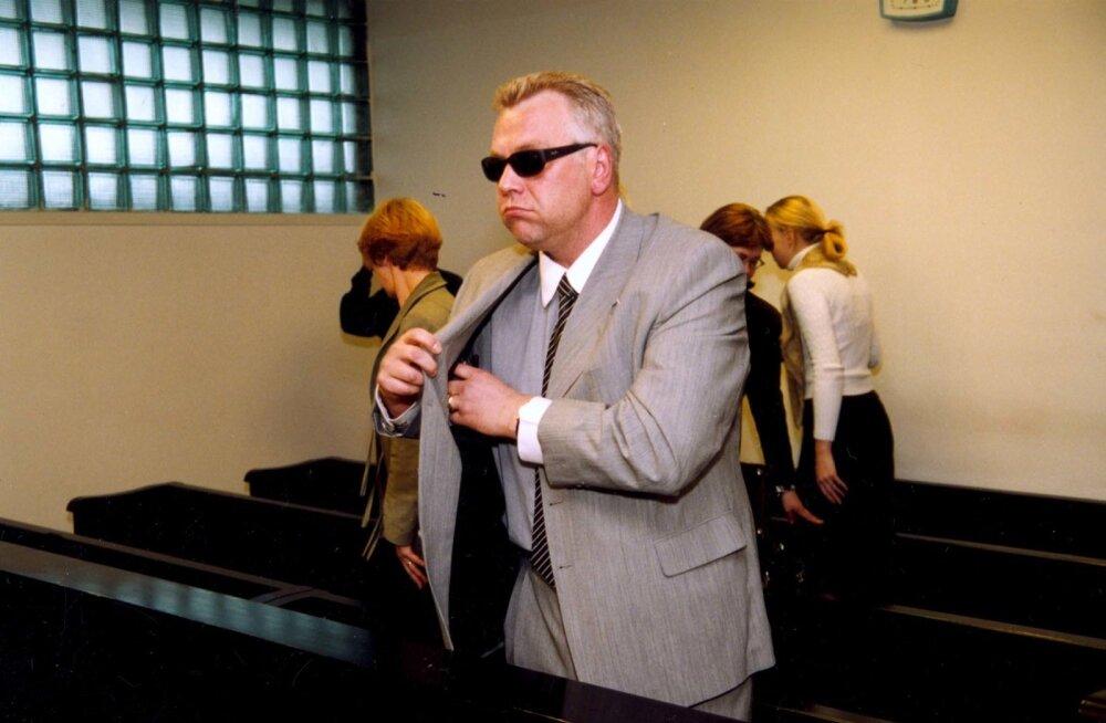 Kohtupingis. Urmas Ott oli kohtu ees Olev Remsu solvamise eest.