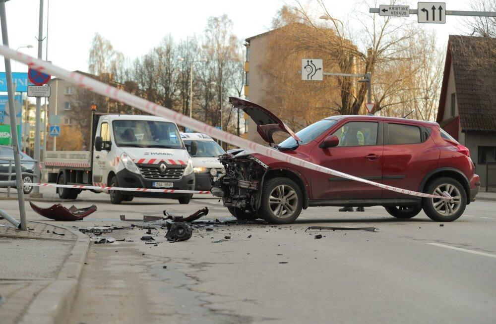 ФОТО DELFI: В Кристийне — опять авария. Движение нарушено