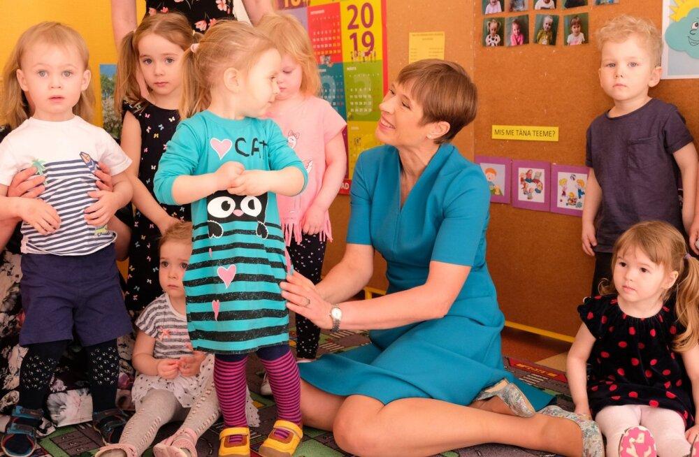 FOTOD | President külastas Tallinna Heleni Kooli erivajadustega lapsi