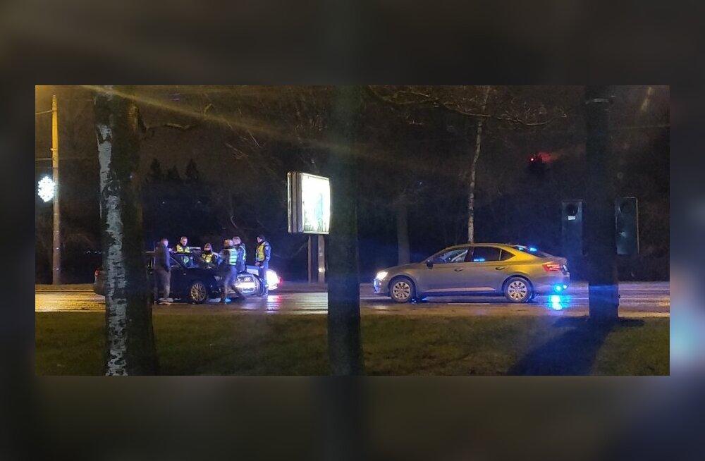 ФОТО | В Мустамяэ водитель Audi пытался скрыться от полиции