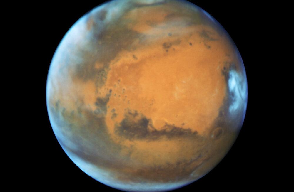 Endine NASA teadlane väidab, et Marsil on elu; agentuur ei nõustu