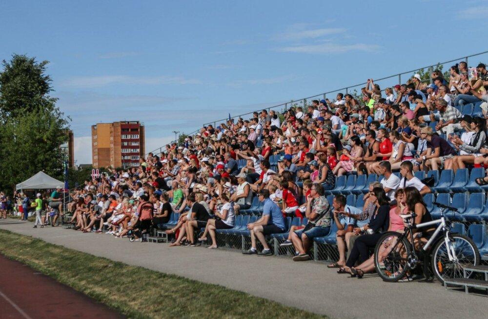 РЕКОРД: В Нарве собралось небывалое количество любителей футбола