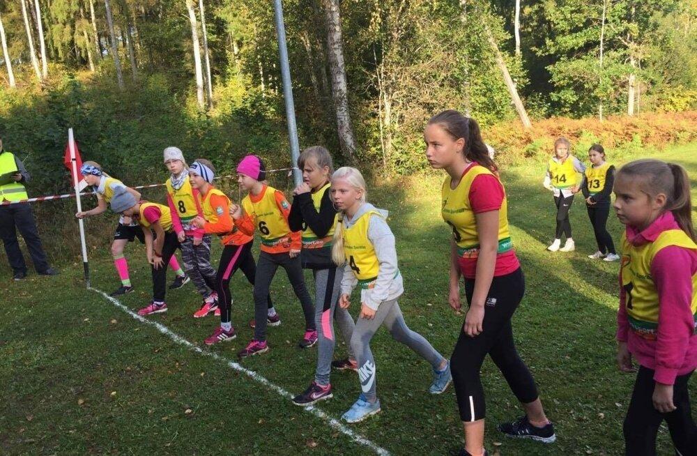 Järvamaa koolide sügisjooks oli üks paljudest spordinädala sündmustest.