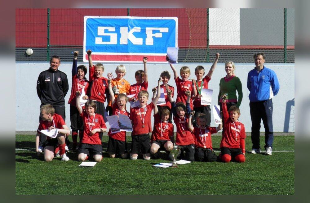 kotkas cup turniiri võitnud martin reimi jalgpallikooli võistkond