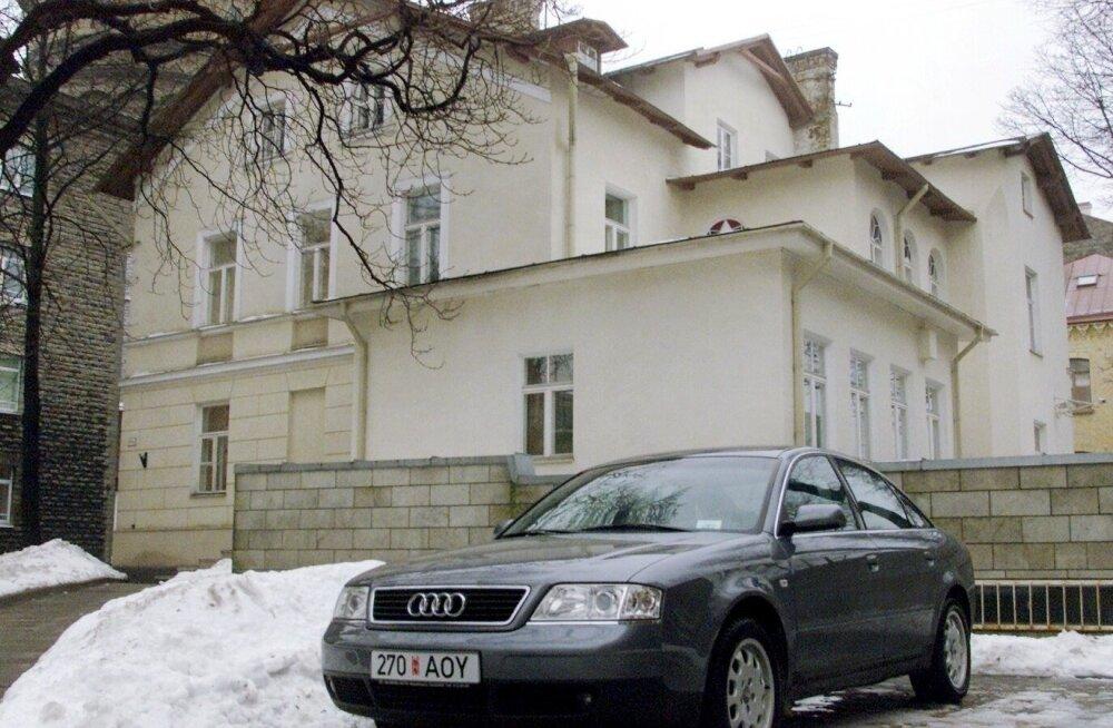 Рассмотрено дело: покупатель приобрел за тысячу Audi A6, но не доехал даже из Таллинна в Нарву
