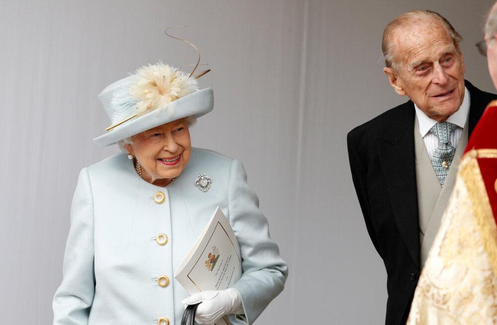 ARMAS FOTO | Neli põlvkonda jõuludeks koos: kuninganna Elizabeth ll poseeris koos Charlesi, Williami ja pisikese George'iga