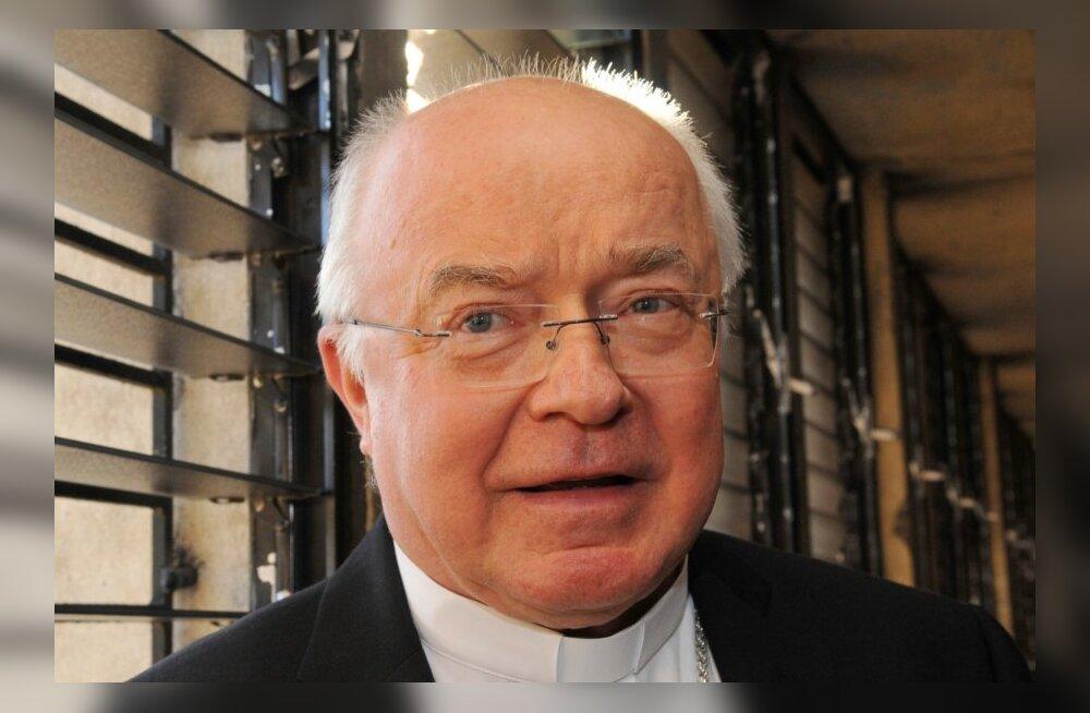 Vatikani pedofiiliašokk: endise peapiiskopi arvutist leiti üle 100 000 lapspornovideo ja -foto