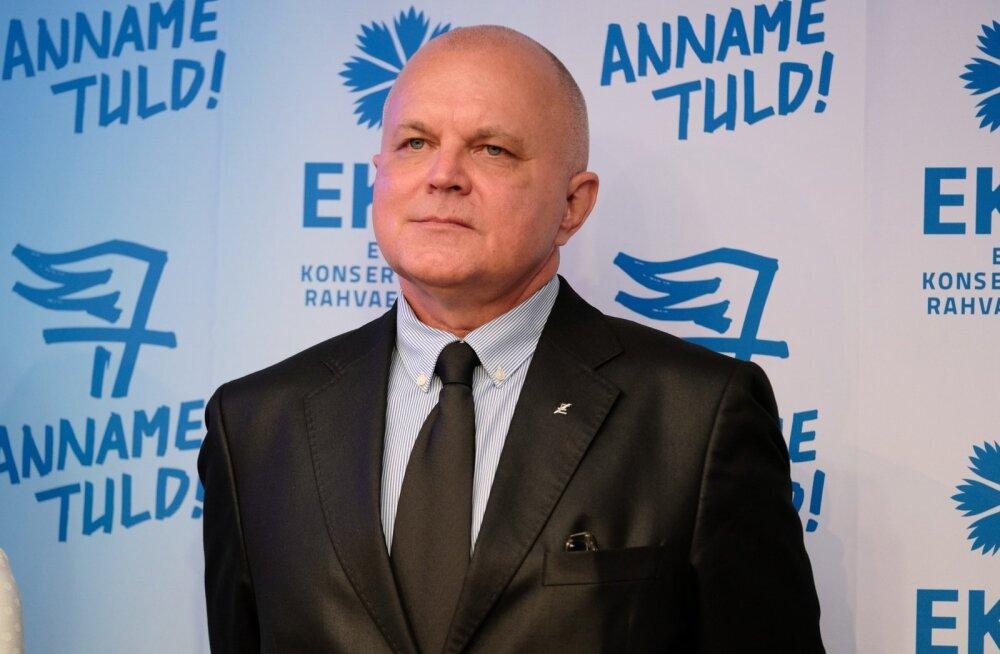 """Reitelmanni kandidaatuur tekitas ennekõike opositsioonis vastuseisu, kuna ta nimetas mõni aasta tagasi venelasi """"tibladeks"""" ja pagulasi """"inimrämpsuks""""."""