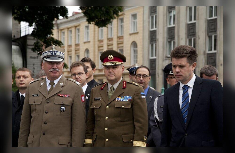 FOTOD: Eesti ja Poola kaitseväe juhatajad kavandasid sõjalist koostööd