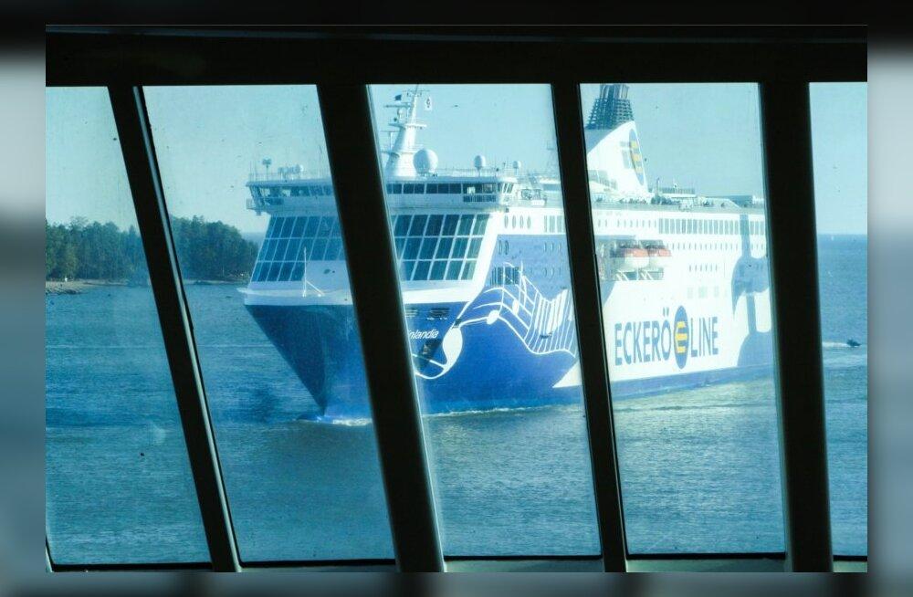 Kuidas käitub laevafirma, kui reisija jääb väljaspool kajutit magama?