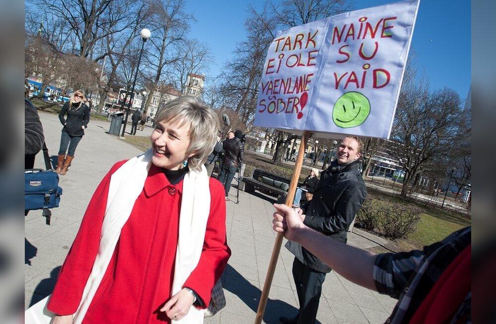 FOTOD: Sotside palgalõhe meeleavaldus jäi tähelepanuta