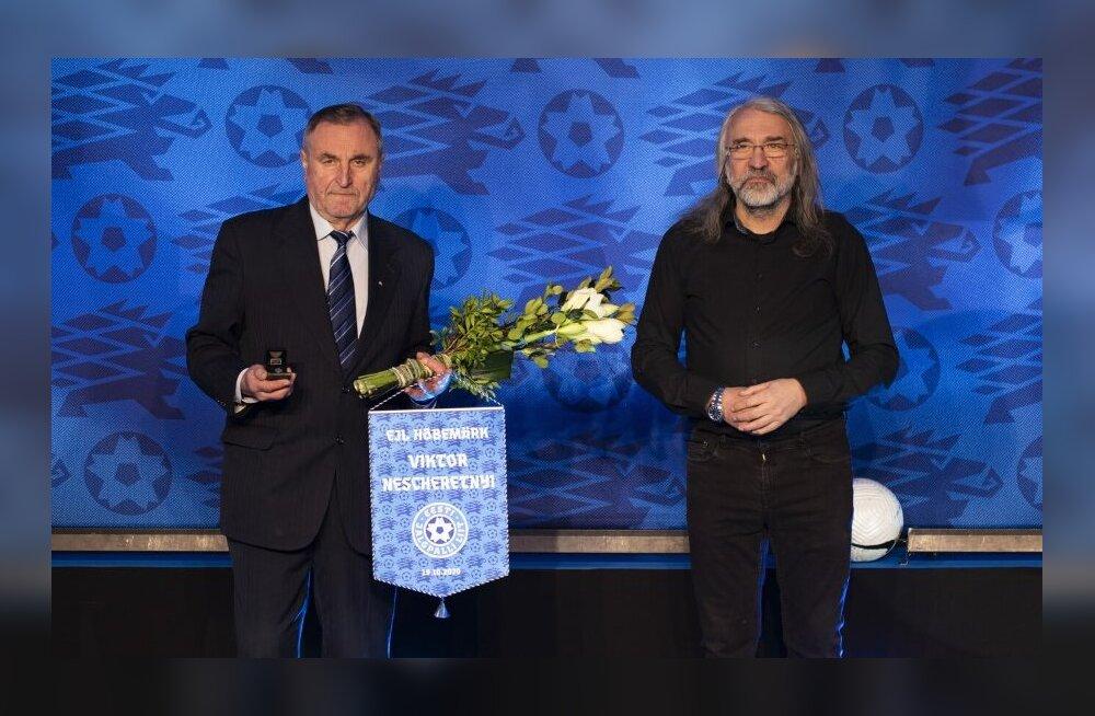Ветераны эстонского футбола Нещеретный и Бурдаков получили награды ЭФС
