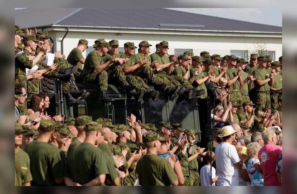 Lauluga Maale Tapa Sõjaväelinnakus