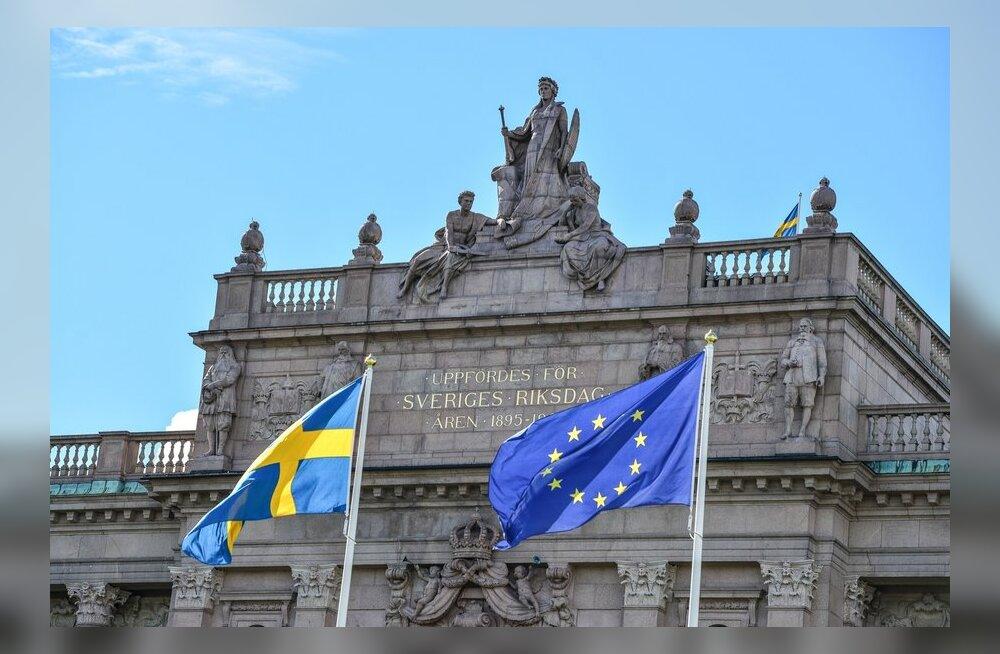 Rootsi ja ELi lipp riigi parlamendi ees.