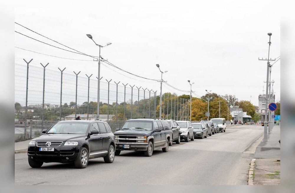 Andrus Ansip Narva maanteepiiripunktis