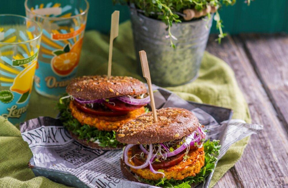 Taimne retseptisoovitus: figuurisõbralik juurika-burger kõigile neile, kes eelistavad kergemat ja tervislikumat kehakinnitust