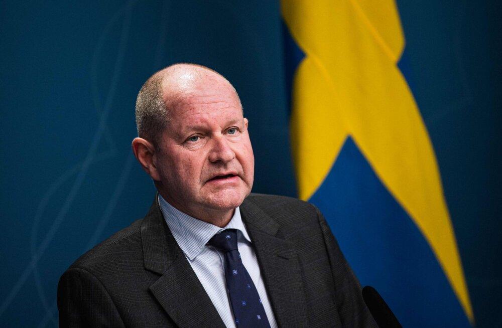 Novembris ja jõulude ajal Kanaari saartel käinud Rootsi tsiviilkaitseameti juht pidi ametist lahkuma