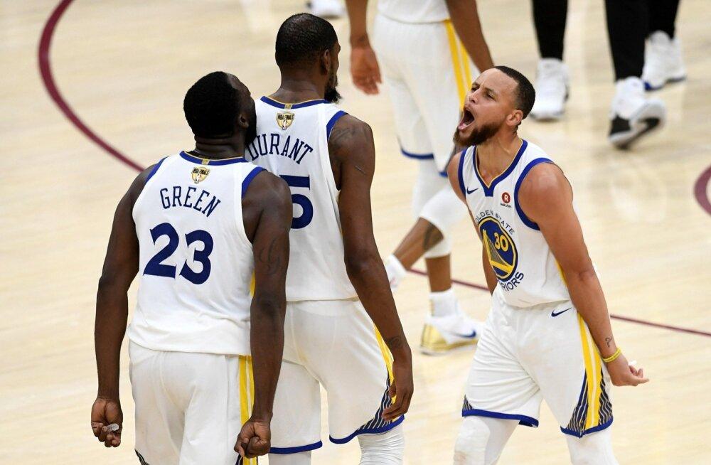 Nõudlus Golden State Warriorsi tähtmängijate nägemisele järele on tohutu.