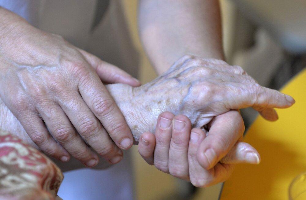 Hollandis mõisteti õigeks sügavalt dementsele patsiendile eutanaasia teinud arst