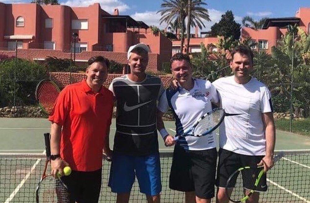Kaupo Karelson pidas tuntud meestega Hispaanias tennisematši, kambas ka hiljuti tööreisile kiirustanud Taavi Rõivas