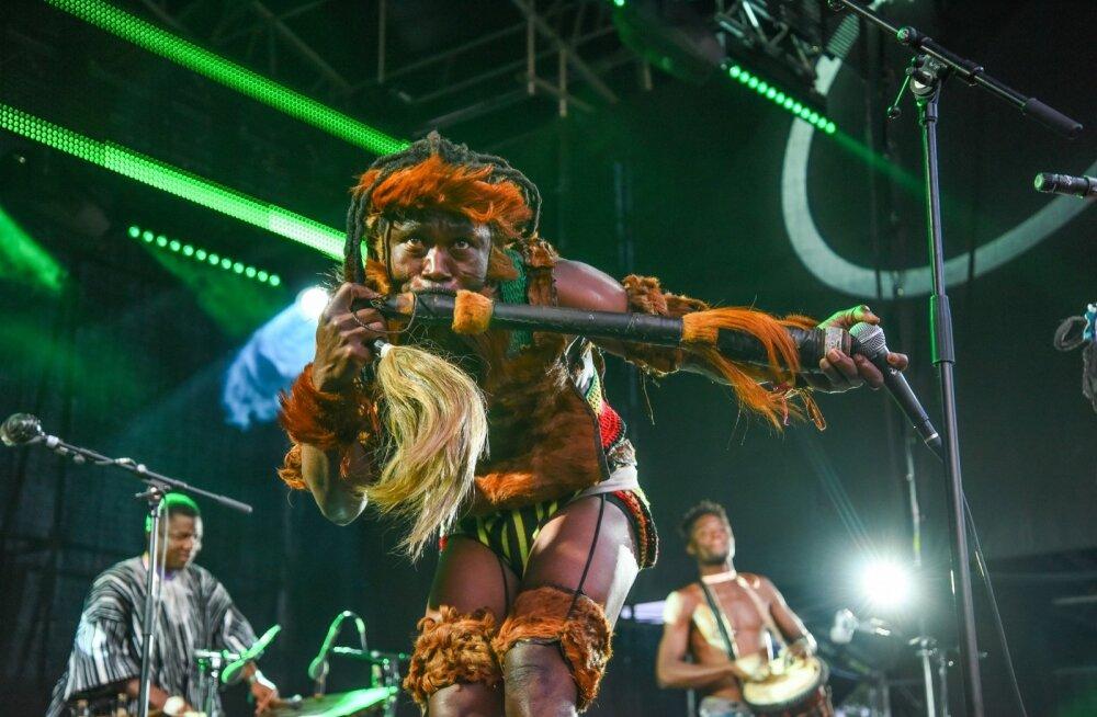 FOTOD | Neljapäevane melu Viljandi folgil: rahvas nautis head ilma ja mõnusat muusikat
