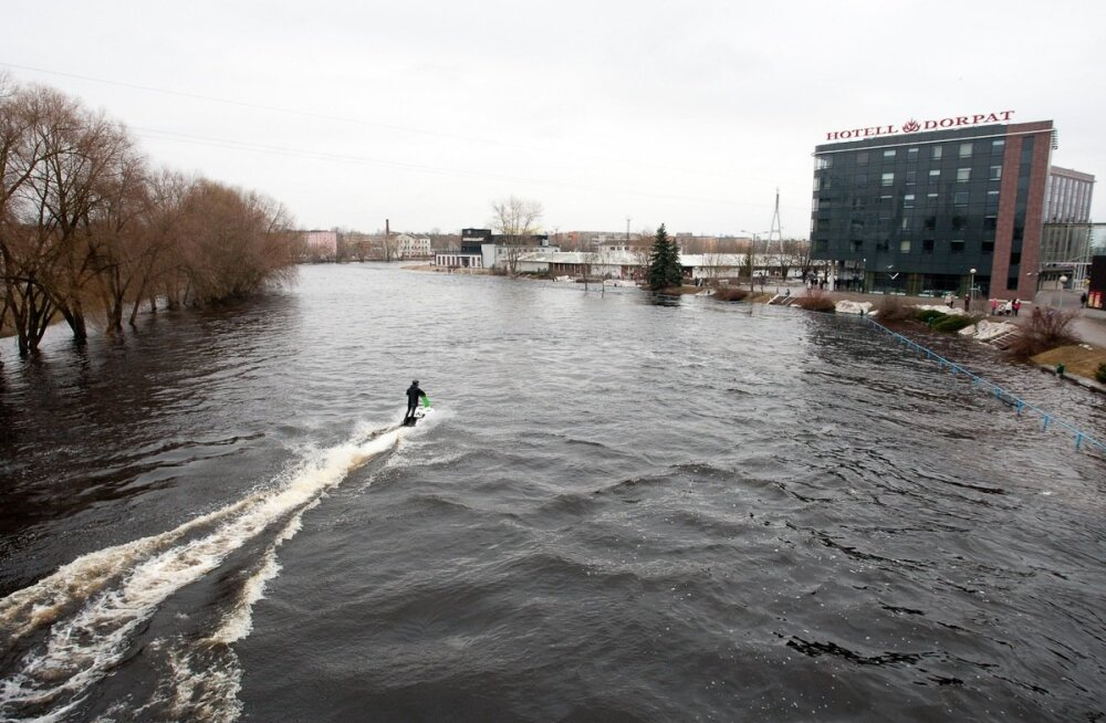 Suurvesi Emajõel, 16.aprill, 2011