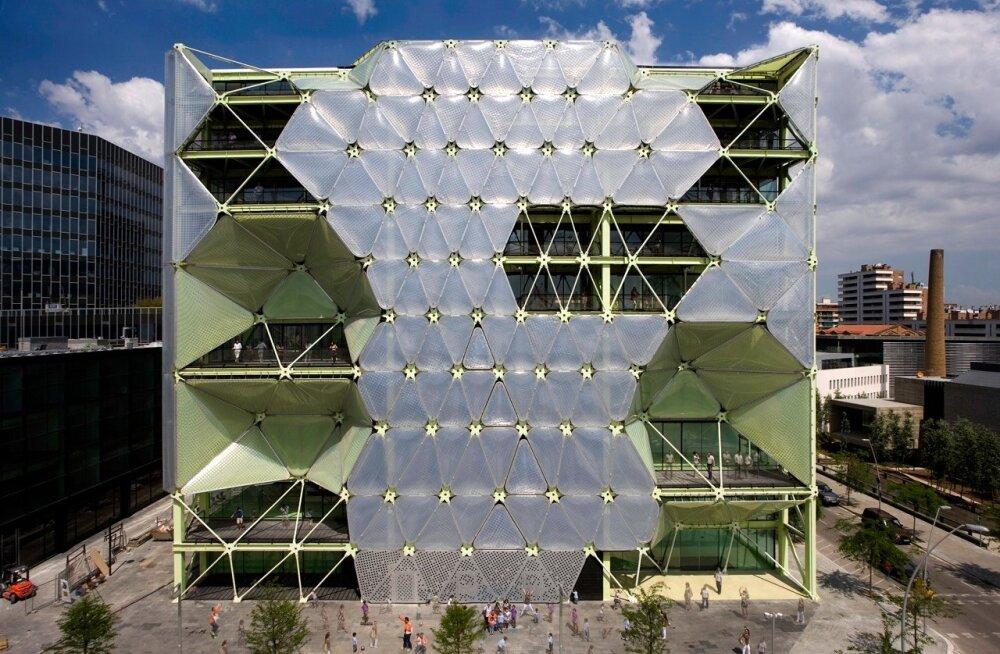 Media-ICT Building 2010. Uuenduslik ja nutikas Barcelona kontorihoone pälvis 2011. aastal WAF-i maailma parima hoone tiitli.
