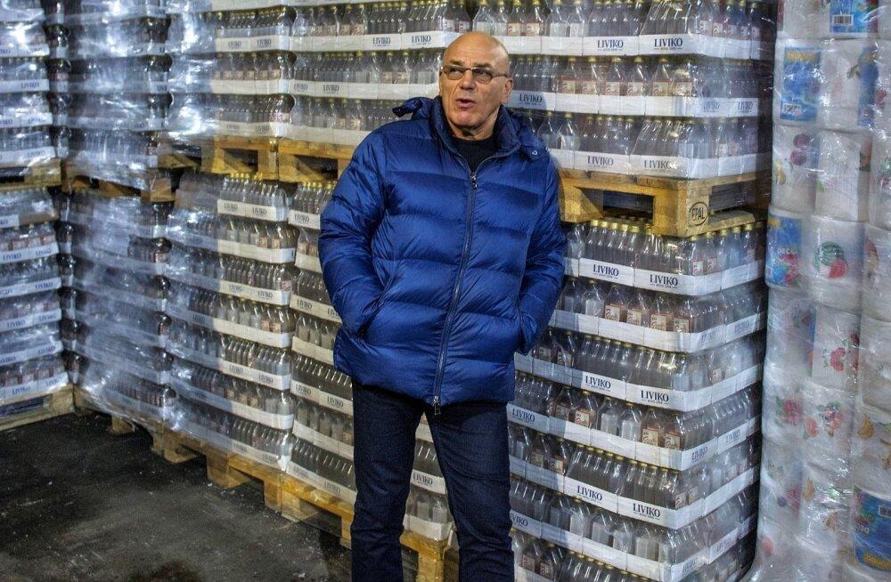 """""""Происходящее в эстонской политике удручает"""". Олег Гросс запасся миллионами бутылок водки"""