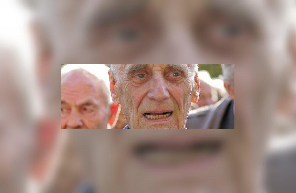 """Arnold Meri: viimane eesti kangelane"""